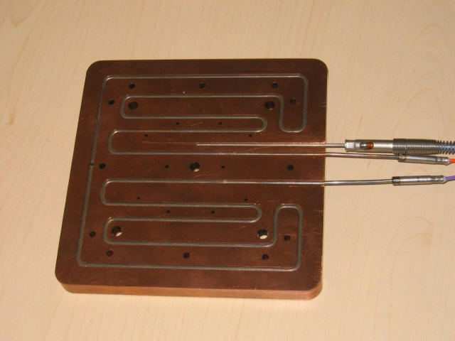 23-heizplatte0A69E3AD-346D-1A5E-4F03-658263DE1BDC.jpg